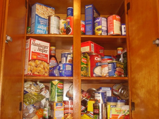 Food_on_shelf-public-domain.jpg